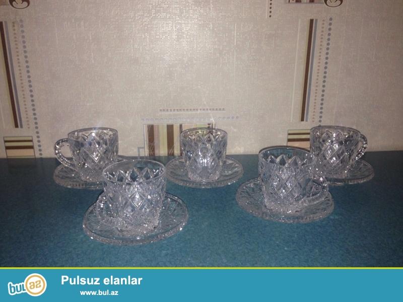 Çexoslovakiya Büllur fincan dəsti kristal  (Хрусталь)-New kristal fincan və saucers   4ədəd