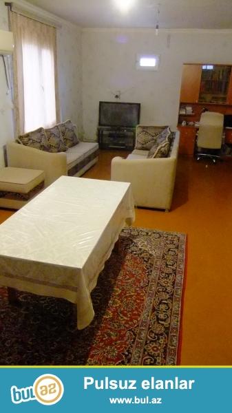 Binəqədi qəsəbəsi, kipin yolunda 3.5 sotda sahəsi 109 kvm olan həyət evi satılır...