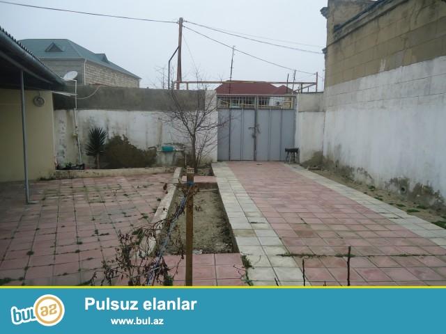 Sabunçu rayonu Maştağa qəsəbəsi Cıldaq deyilən ərazidə 3 sot torpaq sahəsində 2 daş kürsülü,ümumi sahəsi 120 kv...
