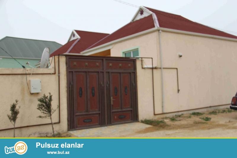 Sabuncu rayonu,Zabrat qesebesinde 2-otaqli kursulu,2-sotun icinde heyet evi...