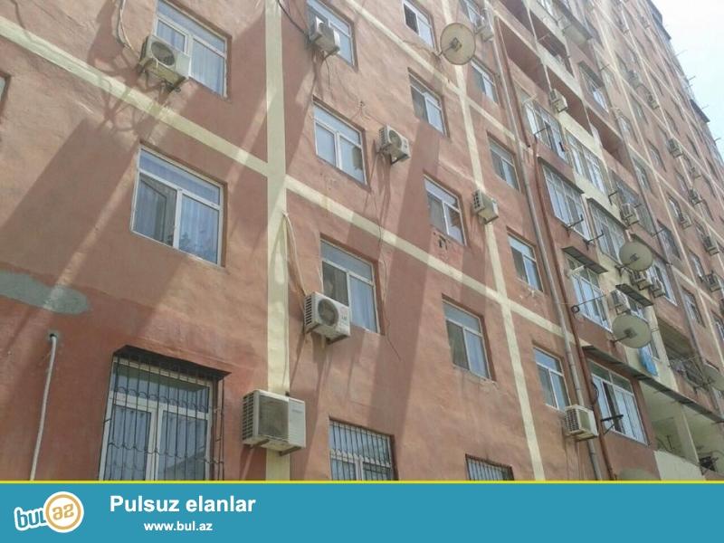На пр. Матбуат, за Макро маркет, в давно заселенном комплексе с Газом и Купчей продается 3-х комнатная квартира, 12/7, общая площадь 105 кв...