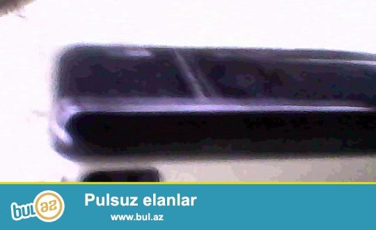 Alcatel OT E252 telefonu satiram kohne modeldir.Her seyi isdiyir teze veziyyetdedir...