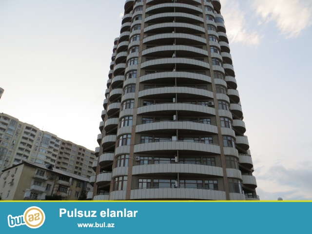 Срочно продяётся 3-х комнатная квартира в полностью заселенной новостройке 10/16 с газом и купчаей...
