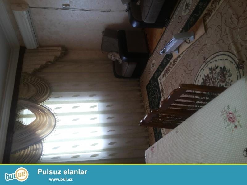 Sabunçu rayonu Mehemmedi qesebesinde birinci mertebede orta temirli içi boş ev satiram...
