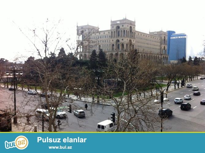 Сдается 4-х комнатная квартира в центре города, в Сабаильском районе, по улице У...