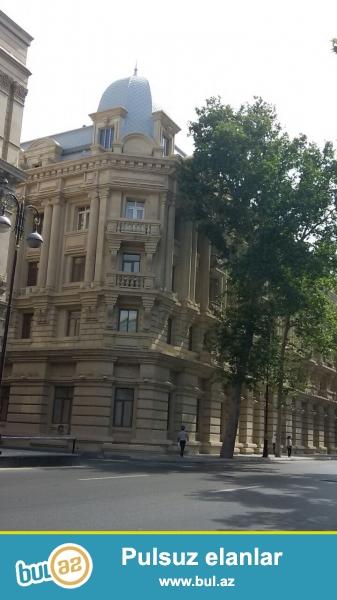 Сдается 2-х комнатная квартира в центре города, в Сабаильском районе, напротив Бульвара, рядом с кафе «Tosсa»...
