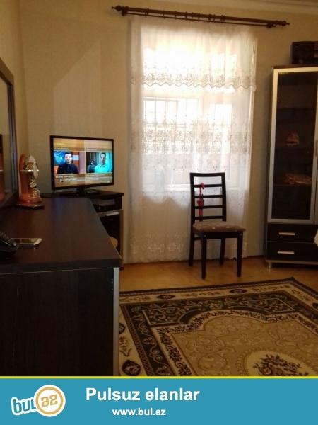Xırdalanda AAAF park ilə üzbə-üz , yoldan 50x60 metr məsafədə 3 otaqlı həyət evi satılır ...