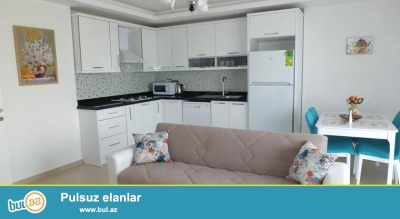 Antalya'nın en güzel turistik bölgesi olan Alanya da tam tamirli ve yaşayışa tam hazır olan Deniz manzaralı, içinde 321 daire olan beş yıldızlı otel konforunda yapılmış projemizden Sizinde bir eviniz olmasını istiyorsanız acele edin az sayıda satlık dairemiz kalmıştır...