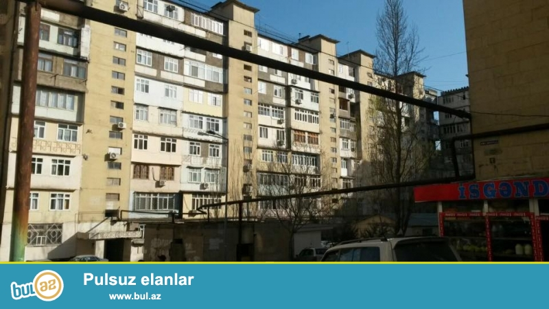 9 мкр, конечная остановка автобуса №26 продается 2-х комнатная  квартира, ленинградский проект, 9/3, раздельные, просторные, светлые комнаты, хороший ремонт, полы паркет, окна РVC, чистая, уютная квартира, встроенная кухонная мебель, раздельный с/у в нормальном состояние...