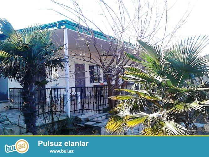 В Абшеронском районе, в поселке Новханы, рядом с морем продается частный дом...