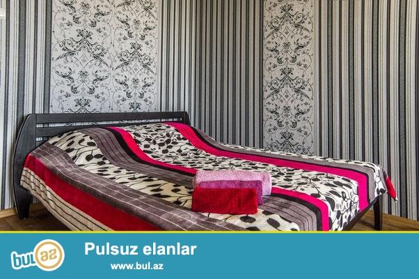 Kiraye gundelik evler Bakidaş<br /> Merkezde seherin qonaqlari ucun 2 otaqli ev gundelik kiraye verilir...