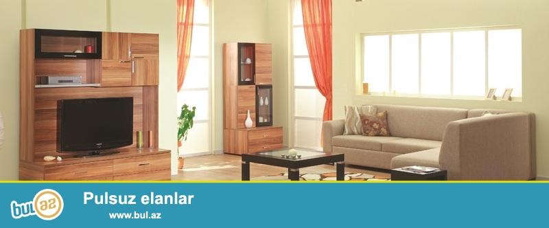 Az istifadə olunmuş,Tv vitrin,kiçik vitrin və tumbadan ibarət olan qonaq otağı dəsti satılır...