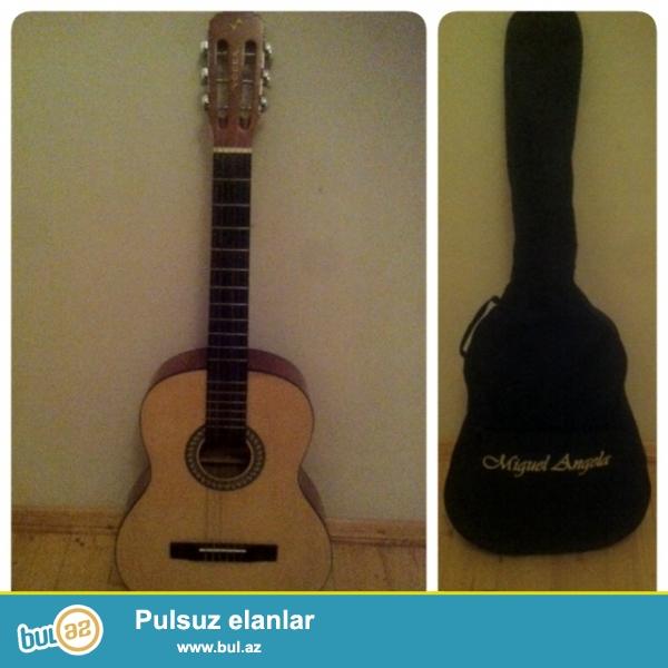 Gitara satiram. Cexol verirem ustunde. Whatsapla elaqe:0516302013
