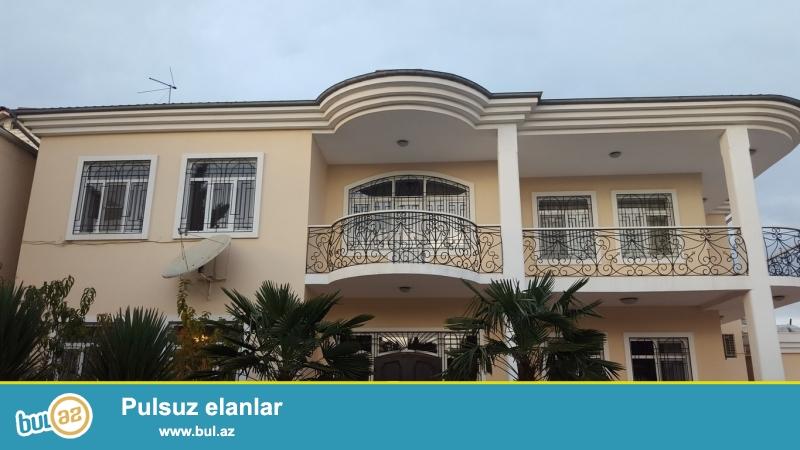 Срочно! Рядом с Президентской Резиденцией на проспекте Ататурка сдается в аренду на долгий срок 2-х этажная , 6-ти  комнатная вилла площадью 360 квадрат расположенная на 9-и сотках...