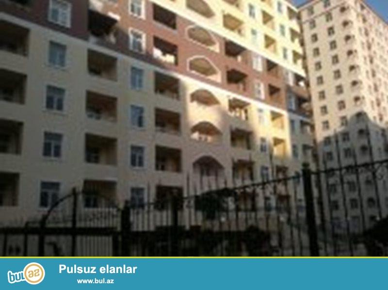 Binəqədi rayon 9-cu mk\r-da Mir Cəlal küçəsində Sona şadlıq sarayına yaxın kefiyyəti ilə seçilən Kitablı MTK-da 17 mərtəbəli binanın 17 ci mərtəbəsində sahəsi 135 kv olan 3 otaqlı mənzil satılır...