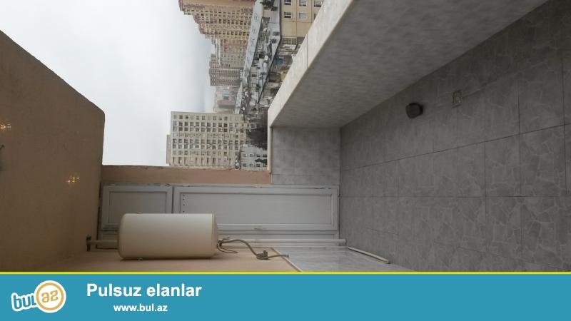 Yeni tikilmiş 17 mərtəbəli yaşayış binasının 6-ci mərtəbəsində 3 otaqlı 120 kv olan super təmirli mənzil kirayə verilir...