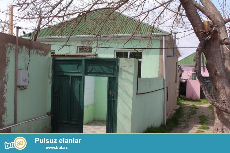Sabuncu rayonu, Zabrat 1-qesebesi, Ayxan marketin arxasinda 1-sot yarimin icinde tam-temirli, kursulu, qosa-dasla tikili, 3-otaqli heyet evi...