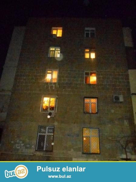 Yasamal rayonu, Musabəyov qəsəbəsi, 158 nömrəli məktəbin yaxınlığında, leninqrad layihəli daş binada 3 otaqlı mənzil satılır...