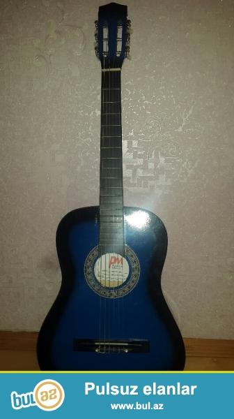 Gitara satıram çexolu ilə birlikdə. Təzədir alınan gündən 1-2 dəfə istifadə olunub...
