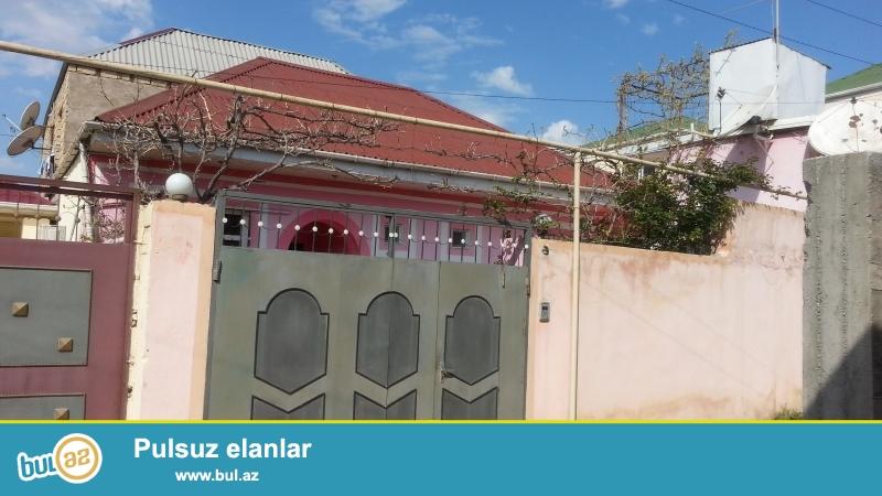 Ev Baki seheri Bineqedi Rayonu Bineqedi Qesebesinde 182 nomreli mektebin yaninda yerlesir...