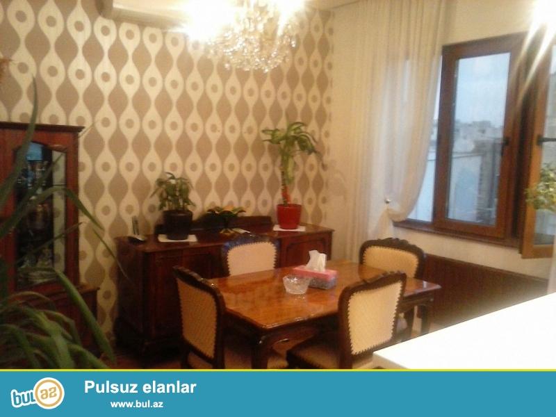 Сдается 3-х комнатная квартира в центре города, в Сабаильском районе, по улице Р...