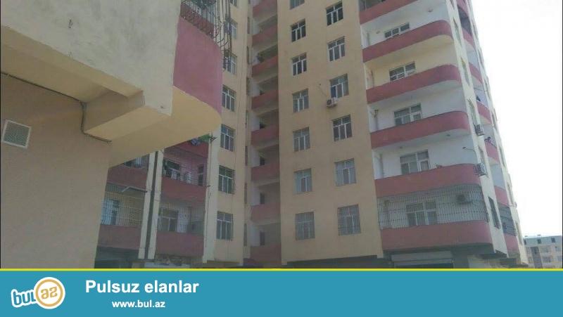 ОЧЕНЬ СРОЧНО!!! Около метро Ахмедлы, рядом с универмагом Хазар, в элитно-жилом комплексе продается 2-х комнатная квартира, 13/12, общая площадь 51 кв...