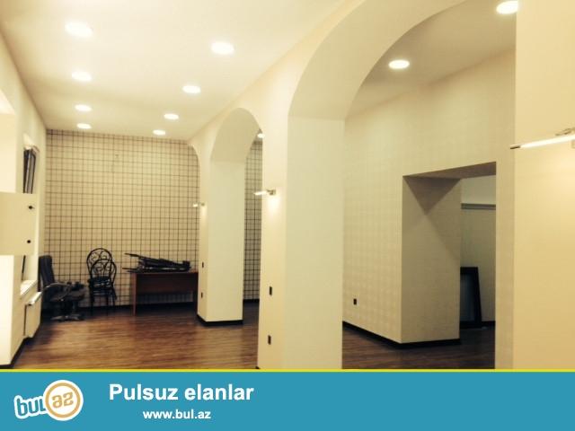 Cдается 5-ти комнатное пустое помещение в центре города, по проспекту Нефтяников, напротив Бульвара...