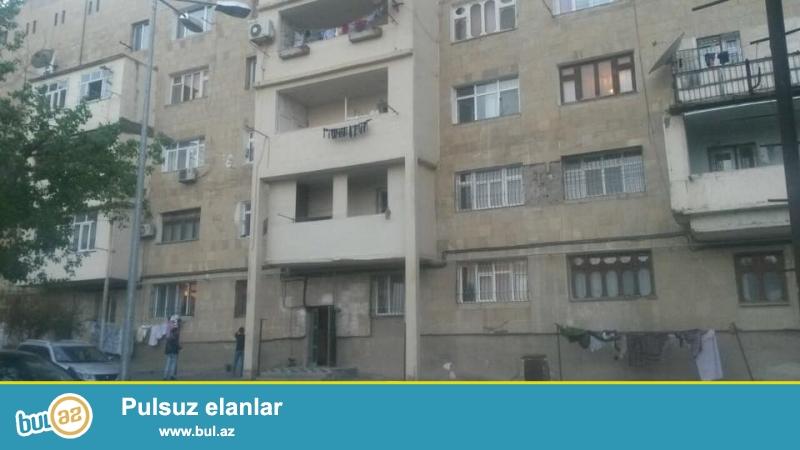 9 мкр, конечная остановка автобуса № 26, ташкентский проект, каменный дом,  просторные, светлые комнаты, сквозная квартира, удачно переделано из 2-х комн...