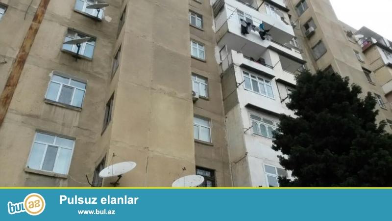 Продается 2-х комнатная квартира в районе Ахмедлы, за д/т Зарифа, киевский проект, 9/8, раздельные, светлые комнаты, хороший ремонт, полы паркет, окна PVC, во всех комнатах установили сплит- кондиционер, чистая, уютная квартира, встроенная кухонная мебель, раздельный с/у...