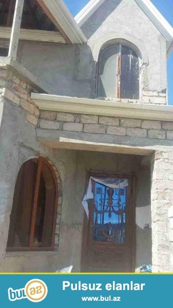 Sabuncu rayonu,Zabrat 2-qesebesi,Kross markete yaxin,Kurdaxani yolunda sot yarimin icinde 2-Mertebeli Teze-tikili Villa evi...