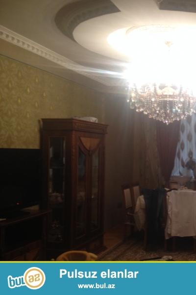 Yeni yasamalda Bazar storun binasinda.Şərur MTK-da 4- cu mertebede 3 otaqli 123 kv super temirli ev satılır...