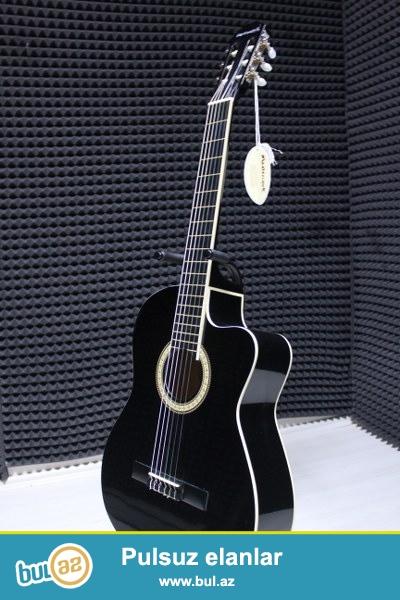 profesional ekvalazerli (mikrafonlu) klassik gitara...