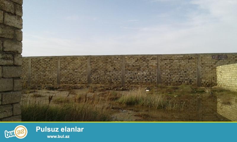 24-sot torpaq sahesi merdekan bavarius aqua parkin yaninda...