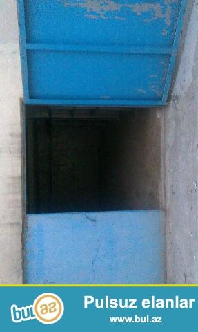 25 kv.m orta təmirli  H.Cavid 528 B həyətində, Texniki Universitetle üzbeüz, özeııeşdirilib.