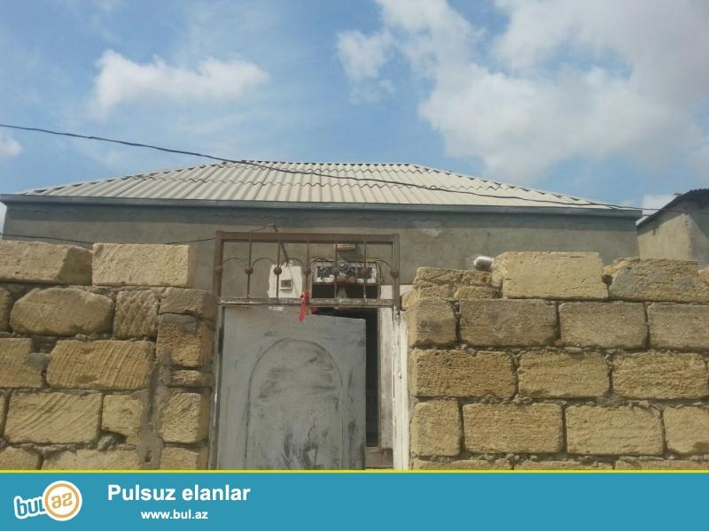 Ev Baki seheri Bineqedi Rayonu Bineqedi qesebesinde 22 ci korpusda yerlesir...