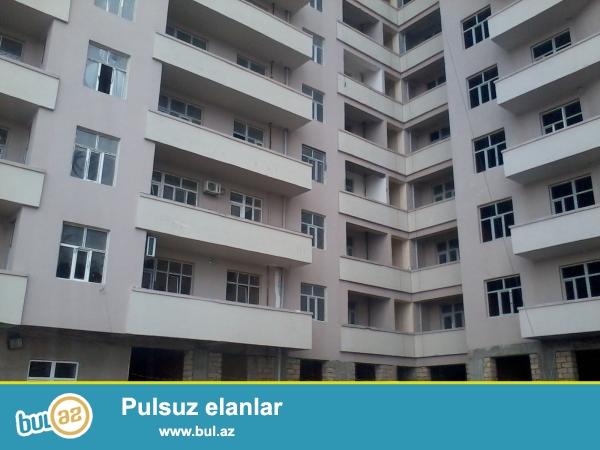 Очень срочно!!!В посёлке Ени Ясамал,около Бизим маркет,в заселённой новостройке с газом,продаётся  1 комнатная переделанная в 2-х комнатную, квартира,с супер ремонтом, площадью 56 кв...