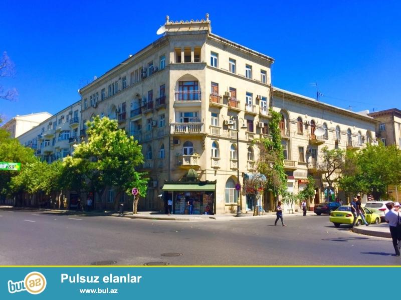 Сдается 3-х комнатная квартира в центре города, в Сабаильском районе, по улице Низами 99, рядом с Музыкальным театром имени Р...