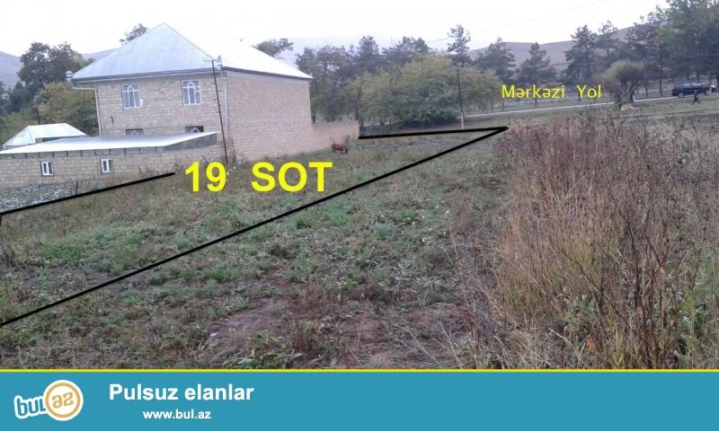 Gedebey sheheri Slavyanka kendinde (Maarif kendine yaxin hissede) merkezi yola 20m yaxinliqda 19SOT torpaq satilir...