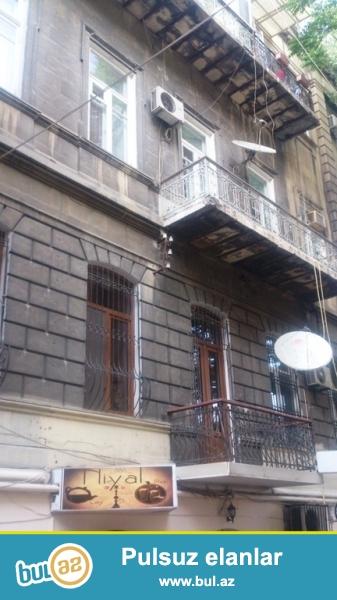Сдается 3-х комнатная квартира в центре города, в Сабаильском районе, по улице Низами (Торговая), рядом с магазином «Mango»...