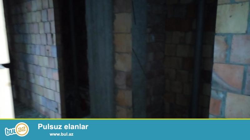 Очень срочно!В посёлке Ени Ясамал,около Бизим маркет,в заселённой новостройке с газом,продаётся 3-х комнатная квартира под маяк 19/20,площадью 112 кв...