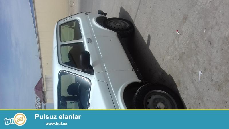 Tecili olaraq 2011-ci ilin Niva 4x4 masini satilir...