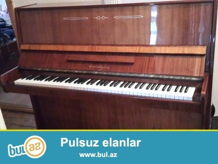 Fantaziya pianinosu, ela veziyetdedir. 2 eded pianino shamdani tam komplektdir.