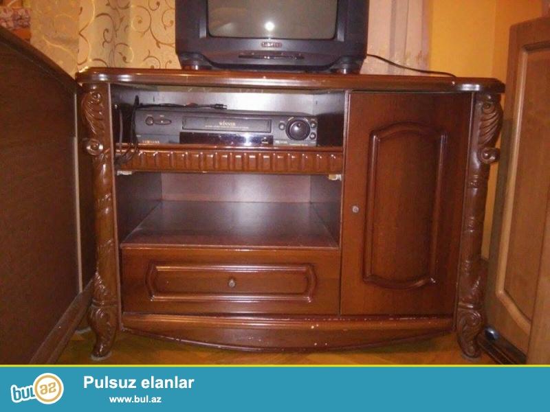Televizor altı şkaf satılır. Ağacdandir.<br /> Продаётся шкаф под телевизор...