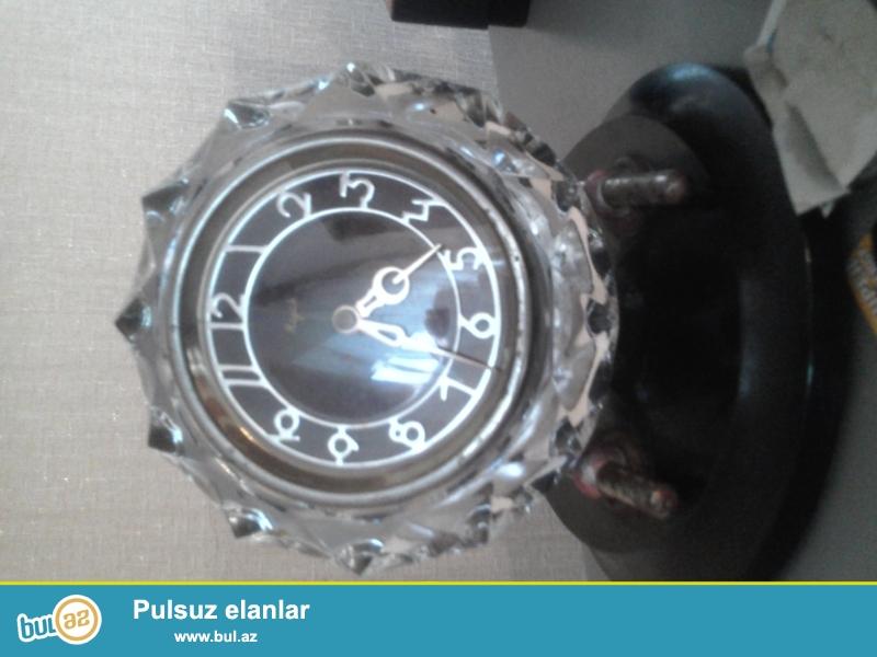 sssri istehsali olan mayak xrustal saati satiram,qislek veziyyetdedir...