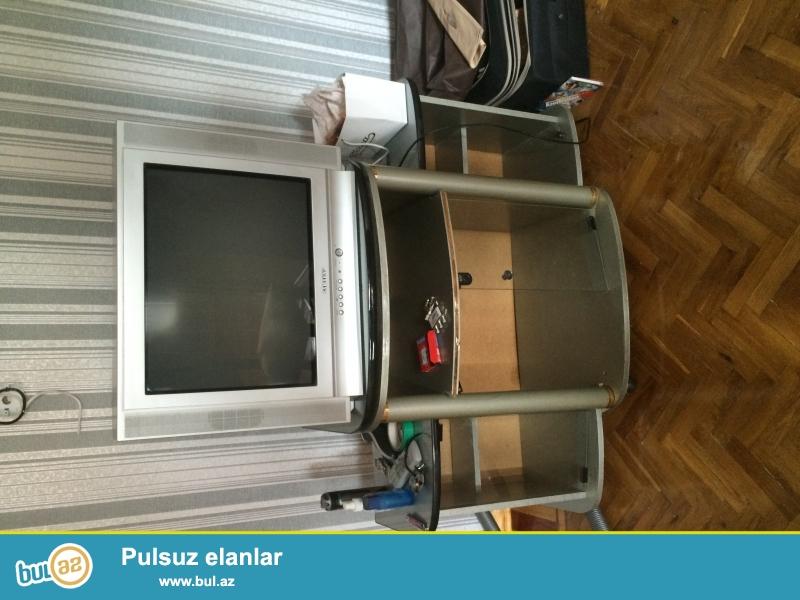 Samsung TV.. Ishlek veziyyetdedir.. Altligi ile bir yerde satilir...