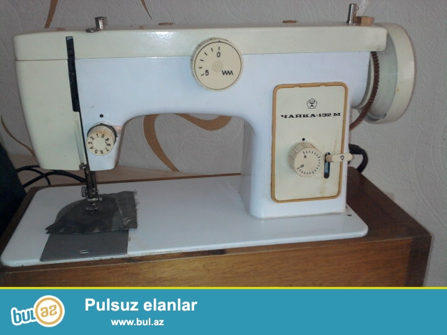 """Az işlənmiş """"ÇAYKA 132M"""" markalı tikiç maşını, 1991-ci il sovet (SSSR) istehsalı olmaqla ayaq əyləcli elektriklə işləyir..."""
