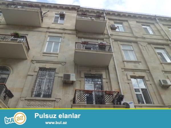 Сдается 2-х комнатная квартира в центре города, в Насиминском районе, по улице Гоголя, рядом с «İnfinity» Club...