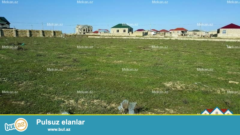 Tecili olaraq Qobu qesebesi Lokbatan yolunda ana yoldan 700 -800 metr arali qazi suyu iwigi olan yeni yawayiw sahesinde 25 sot torpaq senetle satilir...
