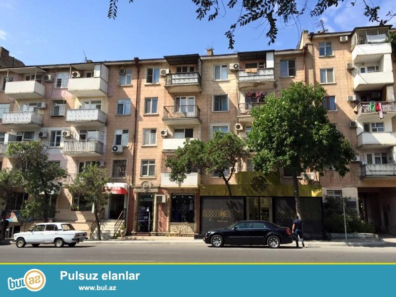 Сдаётся после ремонта.<br /> В центре - на проспекте Азадлыг, около к/т «Дружба» сдаётся 2-х комнатная квартира...