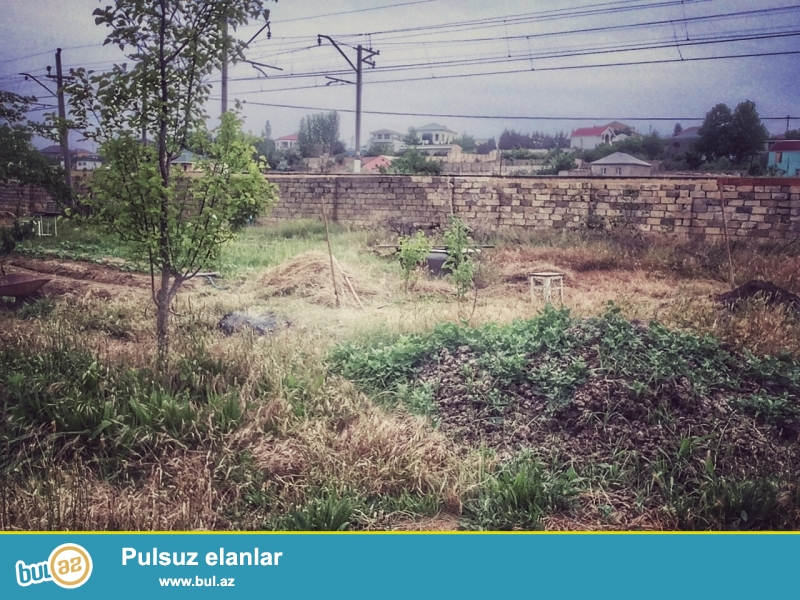 <br /> Sahə, sot6<br /> Aqua parkdan 10-12 deqiqelik aralidadir torpag sahesi...